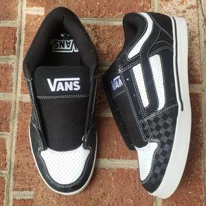 NWOT 🛹 Vans Low Top Skate Shoes
